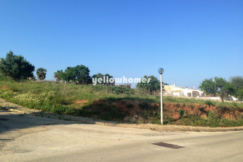 Large building plot near the golf course in Lagos